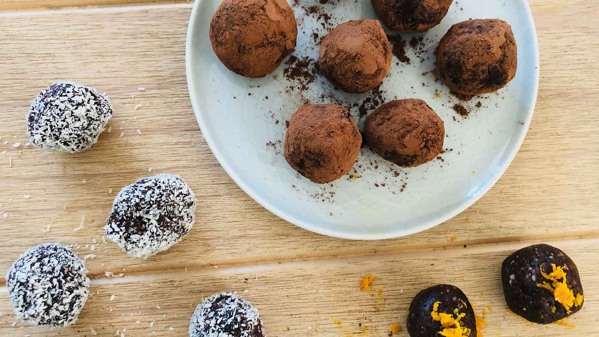 Energy Balls with Dates, Cocoa and Orange